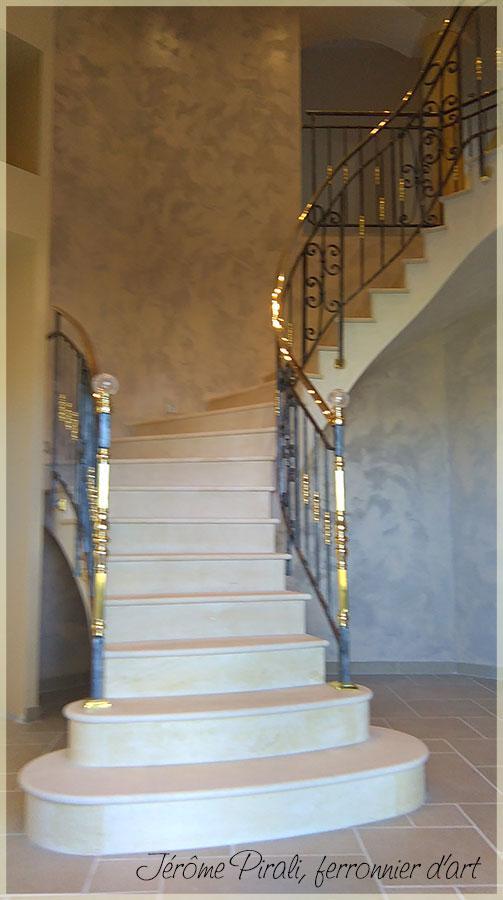 hauteur main courante escalier trendy ce modle trs lger. Black Bedroom Furniture Sets. Home Design Ideas